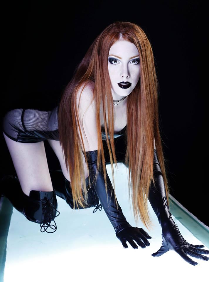 sexy Leila Lunatic 5