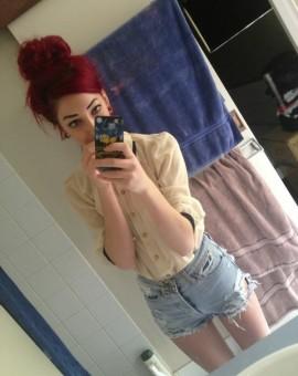 selfie-redhead-033