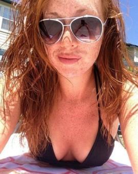 bikini selfie 2