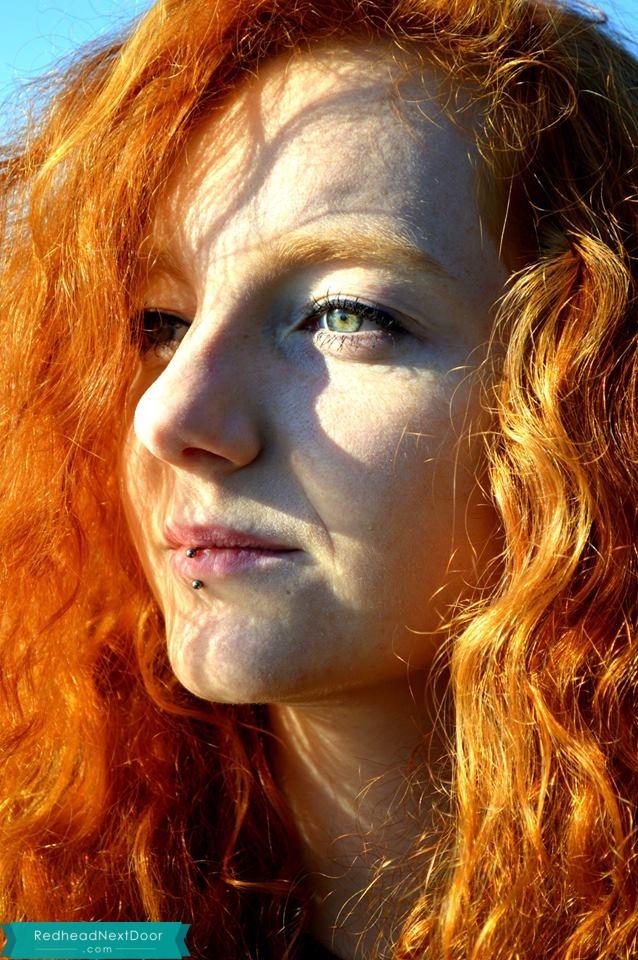 Swan gallery redhead — pic 14